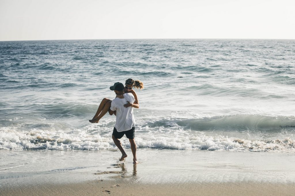 relationship - couple on the beach